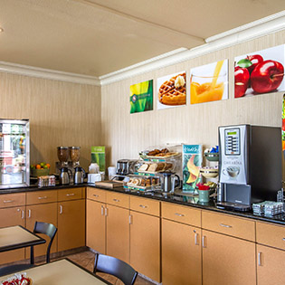 Quality Inn Silicon Valley-San Jose CA breakfast bar