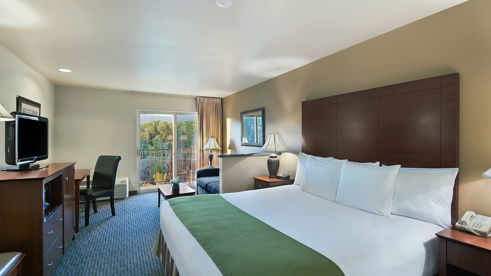 yakima hotel rooms oxford suites yakima hotel